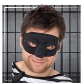 Mascaras de policías y presos