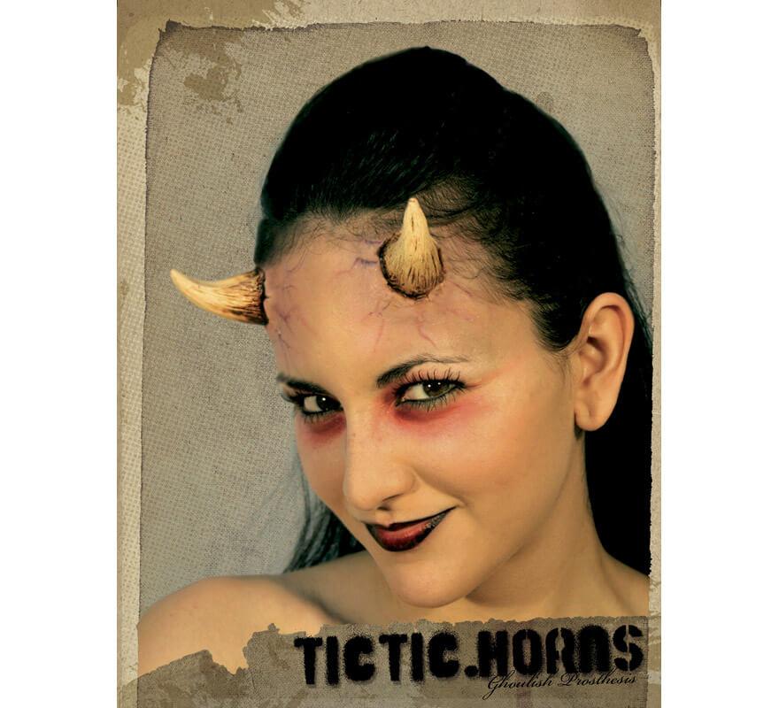 Maquillage fx cornes de diablesse pour halloween - Maquillage diablesse halloween ...