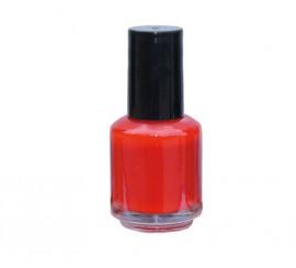 Laca de uñas de color rojo