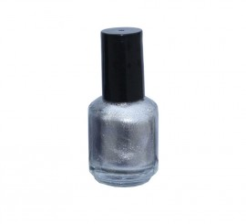 Laca de uñas de color plata