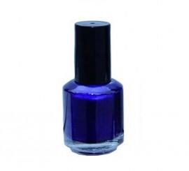 Laca de uñas de color violeta